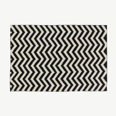 """Black&White"" Washable Rug with Zig-Zag Print"